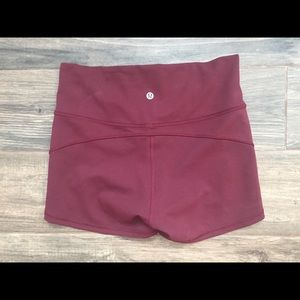 "Lululemon In Movement Short 2.5"" Garnet EUC"